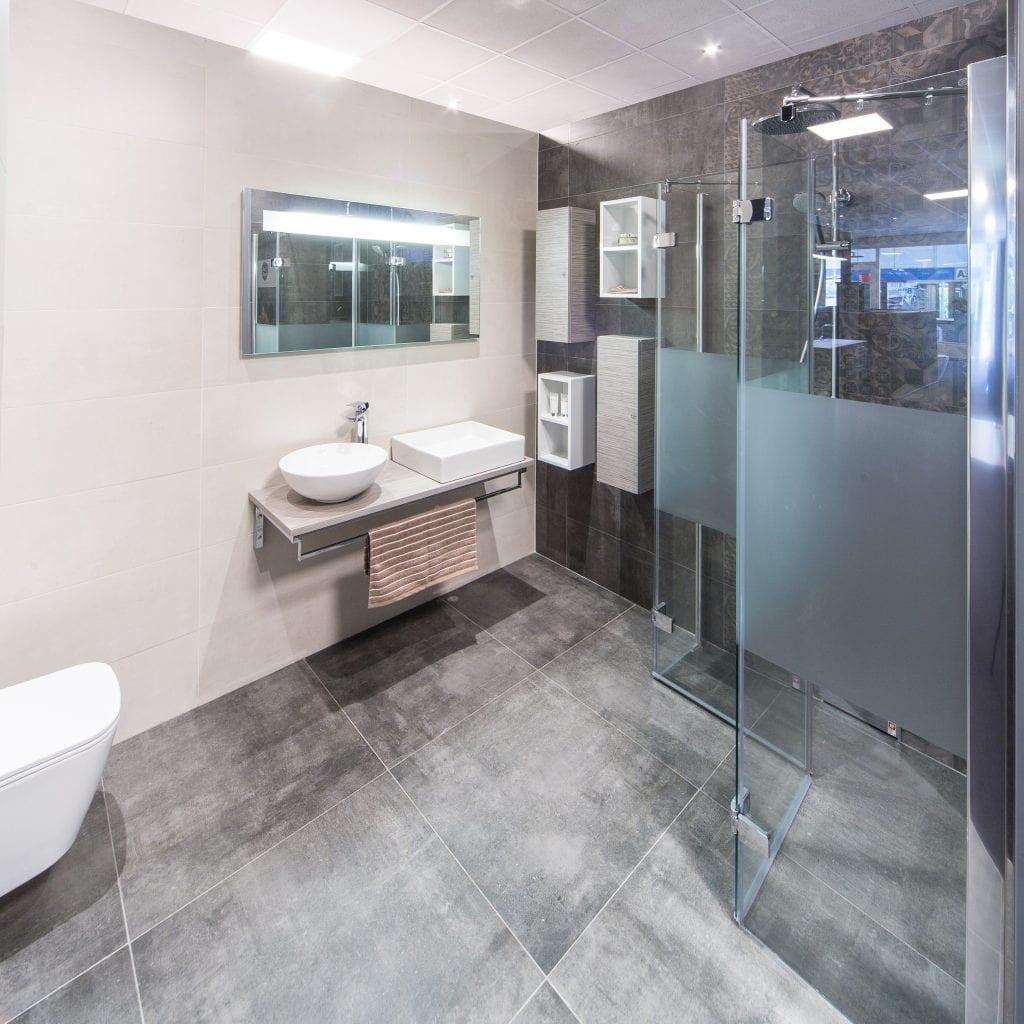 Badkamer ideeen plattegrond - Mooie eigentijdse badkamer ...
